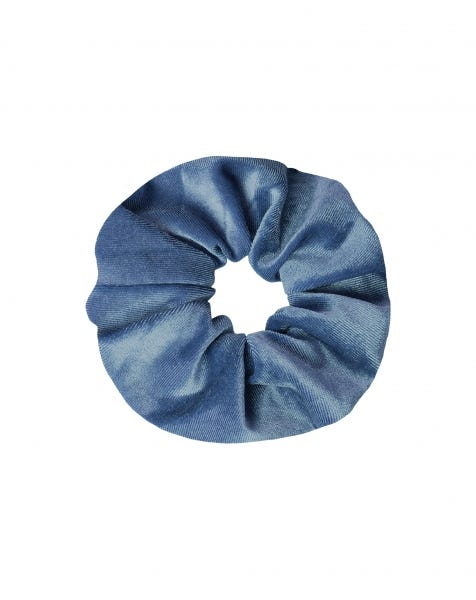 VELVET SCRUNCHIE SKY BLUE